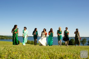 bridemaids_happy_laughter_fun_walking_fort_henry_outdoor_rob_whelan_photo_ygk_kingston_wedding