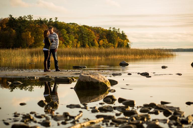 engagement-shoot-formula-lemoines_point_engagment_sunset_hike_chasing_light_kingston_ygk_rob_whelan-2