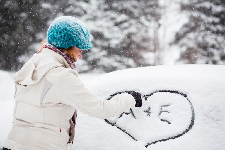 snowshoe-engagement-snow-storm-winter-baxter-conservation-area-rob-whelan-2